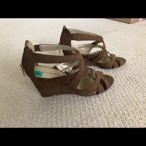Bandolino Shoes - Bandolino suede wedges
